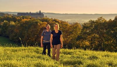 Wandern im Frankenwald obehalb der Plassenburg Kulmbach