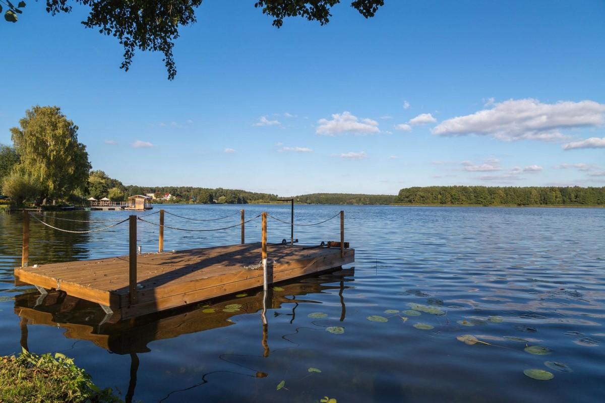 Der Märkische Landweg führt auch durch die Flößerstadt Lychen mit ihren sieben Seen.