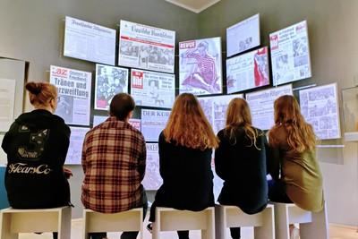Moderne Medieninstallationen unterstützen das Vermittlungsangebot des Museums.